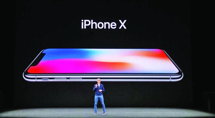 apple Apple plateste 415 dolari doar pentru componentele telefonului IPhone X