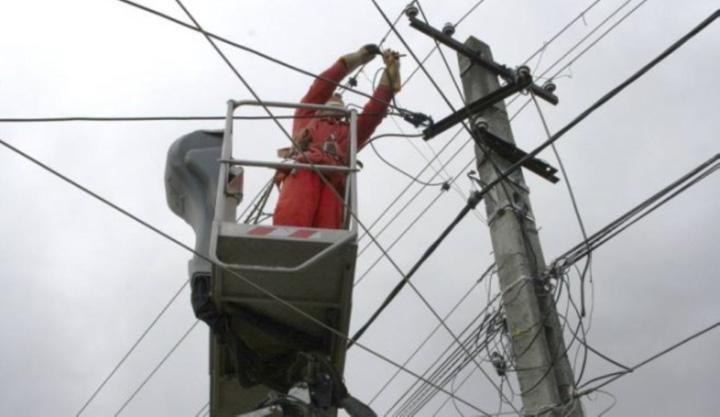avarii electrica Large Dupa furtuna, ANRE amendeaza distribuitorii de energie