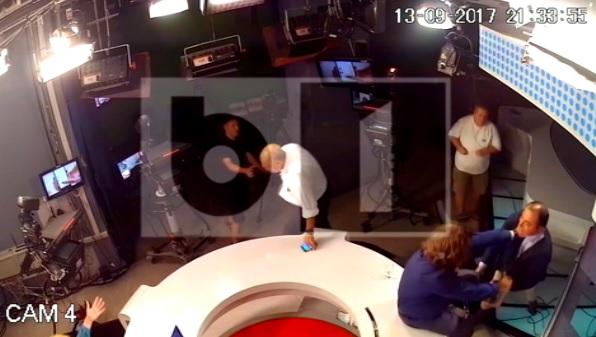 bat 1 Noi imagini cu incaierararea din studioul B 1TV (VIDEO)