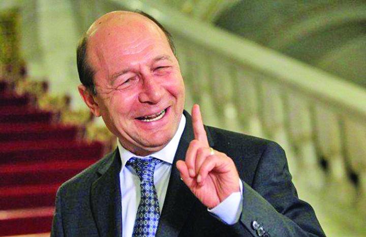 cap basescu Basescu, marele profitor de razboi!