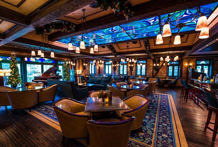 club 33 new look disneyland 026 1 Club 33, restaurantul  unde poti sa astepti si 14 ani ca sa prinzi o masa
