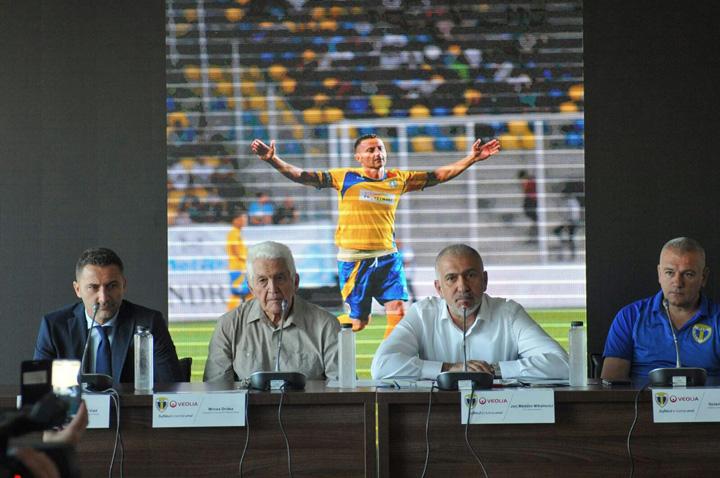 """conferinta2 2 1 1 Veolia da asigurari de stabilitate financiara la Ploiesti:  """"Nu suntem sponsori, suntem partenerii echipei Petrolul"""""""