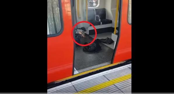 exploz1 Explozie la metroul londonez (VIDEO)