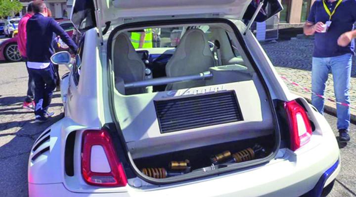 fiat 4 Cel mai fioros Fiat 500 din lume