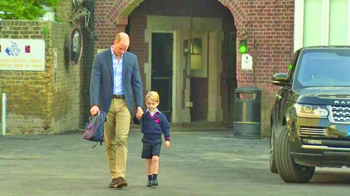 george 4 Printul George, condus doar de tata in prima zi de scoala