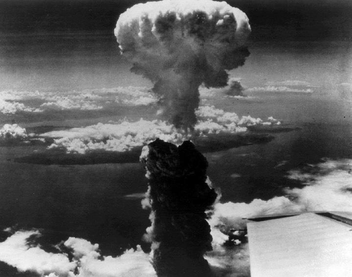 hiroshima Kim promite o Hiroshima x16
