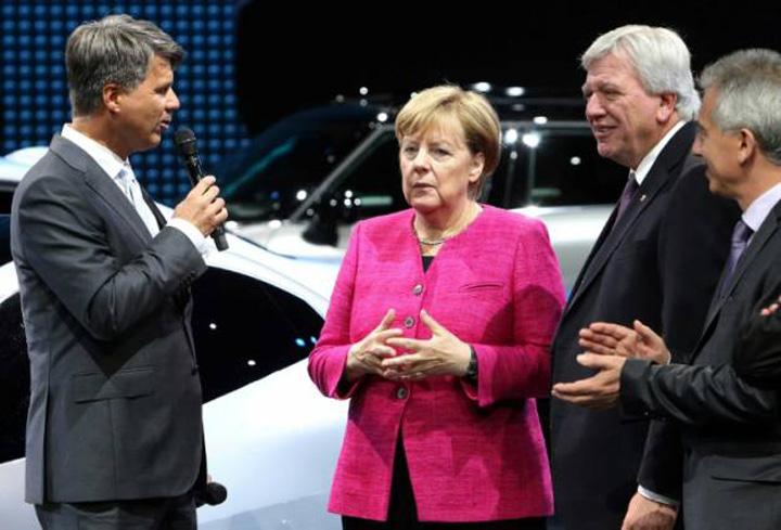 merkel 3 Merkel nu mai e mama auto