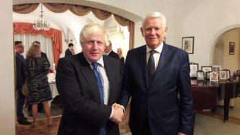 ministru1 350x197 Ministru britanic despre romanii din UK: Am fi nebuni sa ii lasam sa plece inapoi