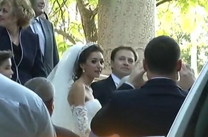 nunta de fite la palat videanu isi marita fata 479648 Adriean Videanu si a maritat fata