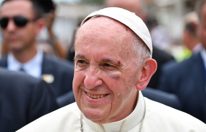papa 1 Centura, centura, Sanctitatea Voastra!!