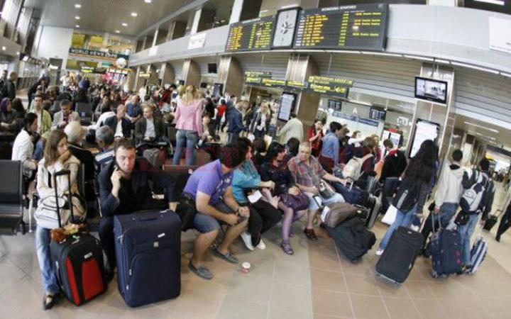 pasageri Romanii batjocoriti din nou de TAP Portugal