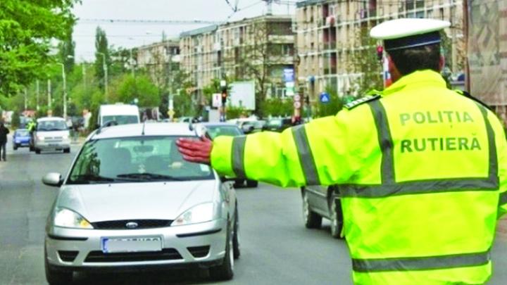 politie 3 luni fara permis daca nu opresti la semnalul politistului