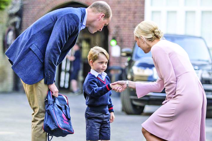 print directoare Printul George, condus doar de tata in prima zi de scoala