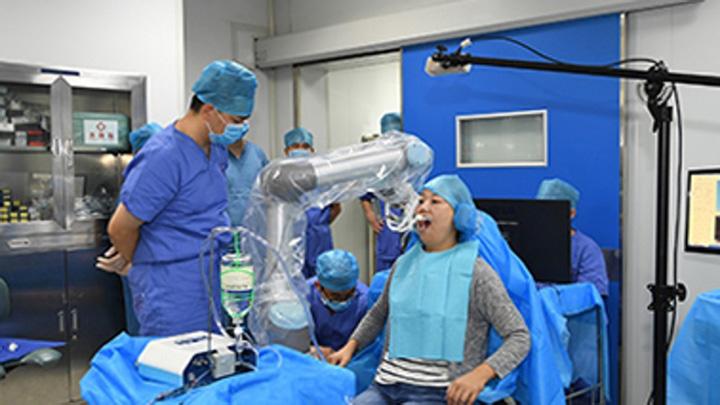 robot 2 Primul robot dentist