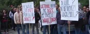 sindicalistii 350x134 Sindicalistii de la metrou, protest la minister