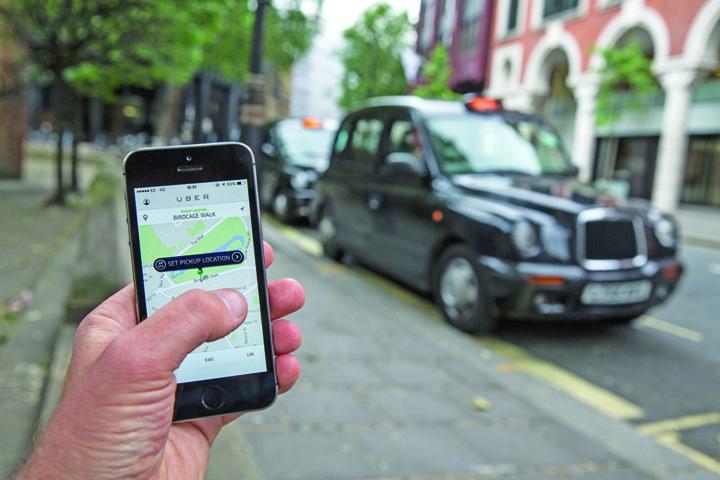 uber cab Uber, interzis pe strazile Londrei