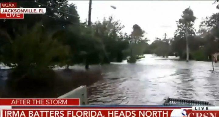 urag 2 720x386 Alti trei romani evacuati din calea uraganului Irma, anunta MAE