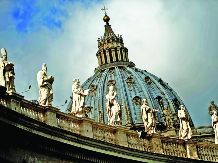 vatican mare Controlorul Finantelor Vaticanului, demis pentru spionaj