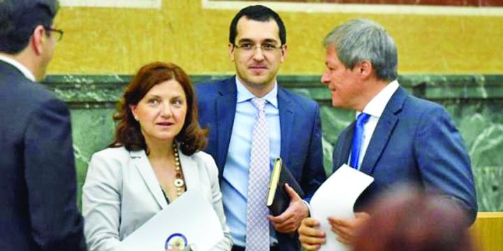 vlad voiculescu 602x300 Cine i plateste somerului Ciolos consilierii?