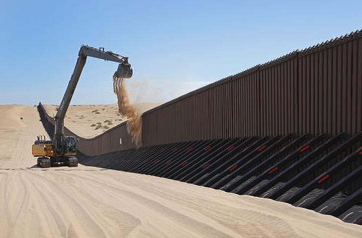 zid Trump incepe marele zid american