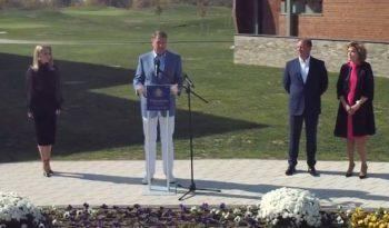1 3 350x205 Iohannis, prezent la inaugurarea unui resort de golf, in Alba