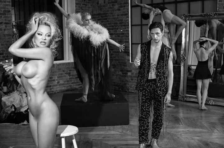 1 5 Eugenie Bouchard, noua Pamela Anderson