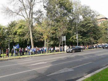 22090031 1564240986947404 8306541853692786987 n miting 350x263 Miting in Piata Victoriei. Sindicalistii protesteaza in fata Guvernului