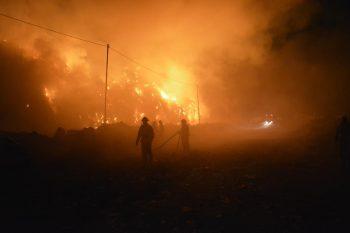 22221839 1195124937297985 7372240984863185513 n foc groapa gunoi 350x233 Incendiu la rampa de gunoi de langa Cluj. Pompierii se lupta de aseara sa l stinga