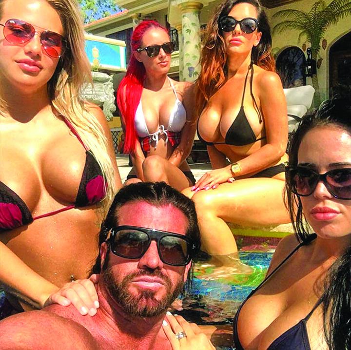 912411 Cum traieste milionarul cel las din Las Vegas