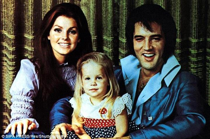 Priscilla cu Presley Vaduva lui Elvis paraseste Biserica Scientologica