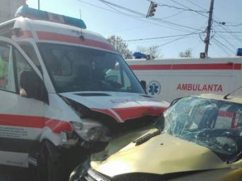 accid 1 350x263 Accident grav cu o ambulanta, in Constanta