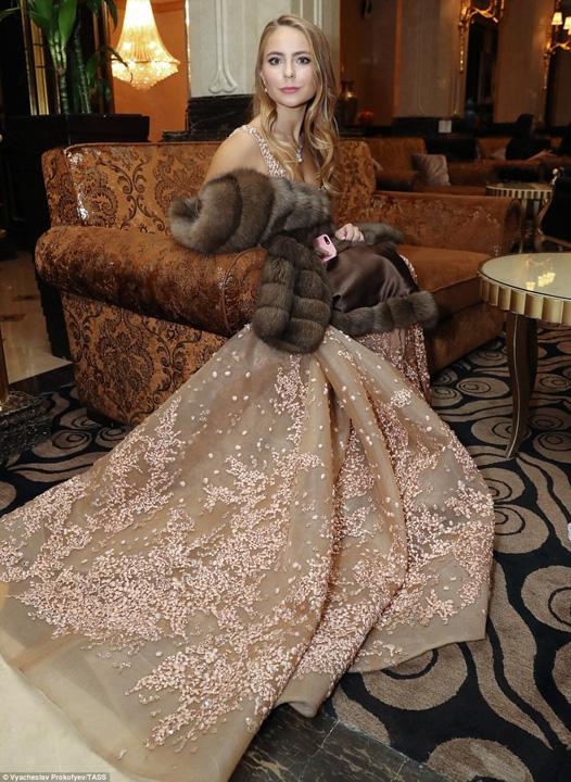 alexxandra Zulina fiica patinatori celebri4 1 Cum arata balul debutantelor in inalta societate moscovita
