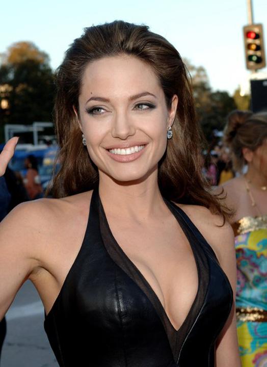 angeliona Jolier Angelina Jolie, momeala pentru un criminal