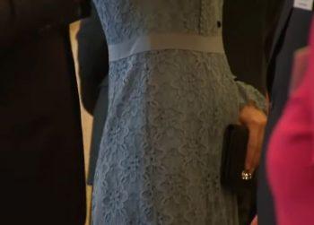burtica 350x251 Ducesa Kate, radioasa la prima receptie de cand s a aflat ca e din nou insarcinata (VIDEO)