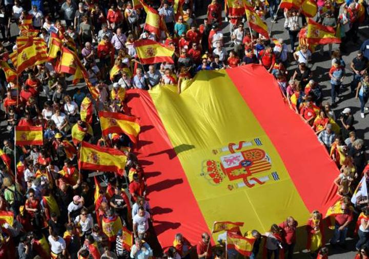 catalonia 3 Spaniolii sar la gatul separatistilor
