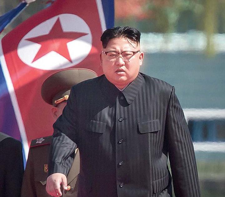 coreea medalion KIM 2 Amenintarea nucleara a lui Kim se naruie din interior