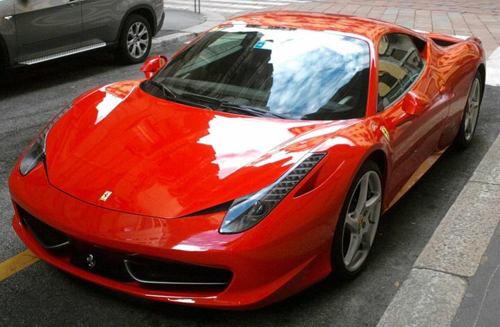 "ferrari ""Kovesi"" din Mexic, demis din cauza unui Ferrari"