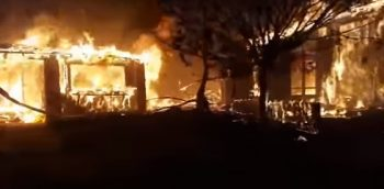 flacari 350x172 Incendiile din California au curmat 40 de vieti (VIDEO)