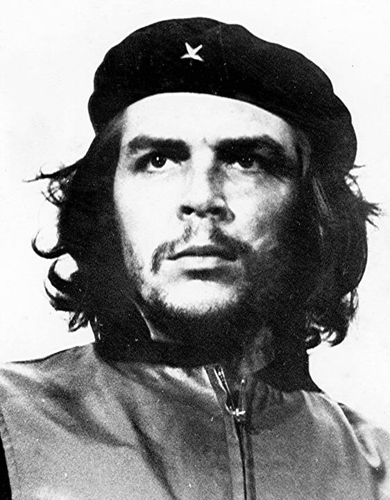 guevara medalion Che Guevara, comemorat in Cuba