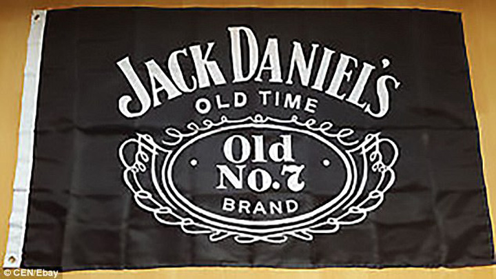 jack daniels Elvetienii confunda sigla Jack Daniels cu drapelul ISIS