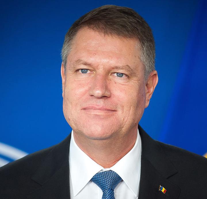 """Guvernul, sfasiat de """"Grupul de la Sibiu"""" si """"Gasca de la Bacau"""""""