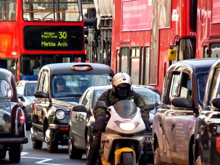 londra 2 21 de lire, ca sa treci cu masina prin centrul Londrei!