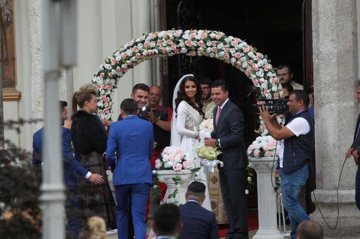 mutu 0 Mutu, nunta si botez pe barter
