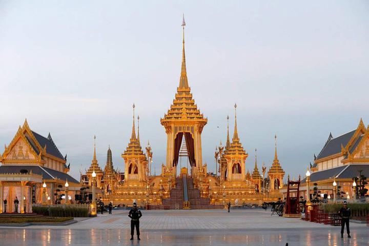 palat 1 Un palat pentru incinerarea regelui Thailandei