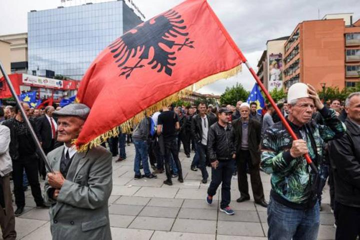 pristina Catalonia, bomba cu ceas in Balcani