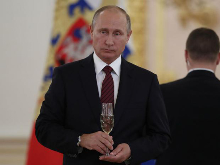 putin 1 Sute de arestari de ziua lui Putin