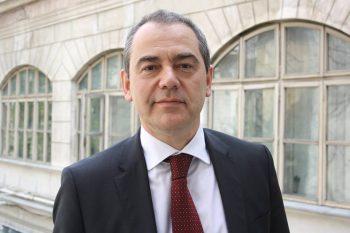 senator 350x233 Fostul ministru Alexandrescu candideaza pentru sefia USR