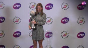 simo 2 350x190 Simona Halep a primit un trofeu pretios: 13, numarul meu norocos