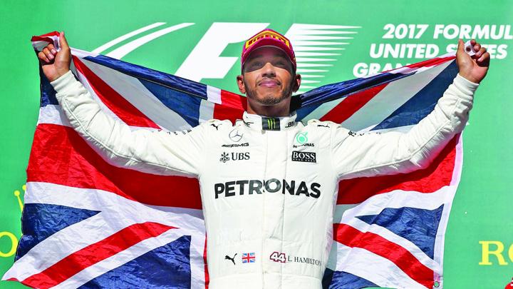 2192682 45810970 2560 1440 Mercedes il umple de bani pe Lewis Hamilton