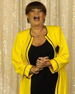24059131 1746812845349865 1597727516510459841 n stamate 239x300 Cristina Stamate, pentru ultima oara la Teatrul de Revista
